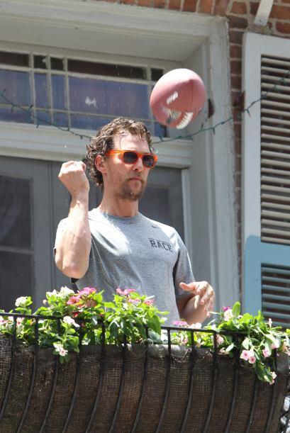 Otro que no por estar en fachas se le quita lo guapo es Matthew McConaug...