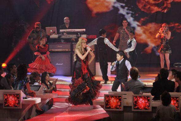 La madrina del programa, Gloria Trevi dio un gran espectáculo interpreta...