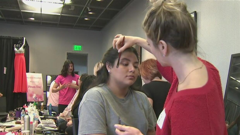 200 jovencitas de bajos recursos podrán vestirse de gala en su graduació...
