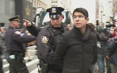 Legisladores y activistas fueron arrestados en las protestas contra Trum...