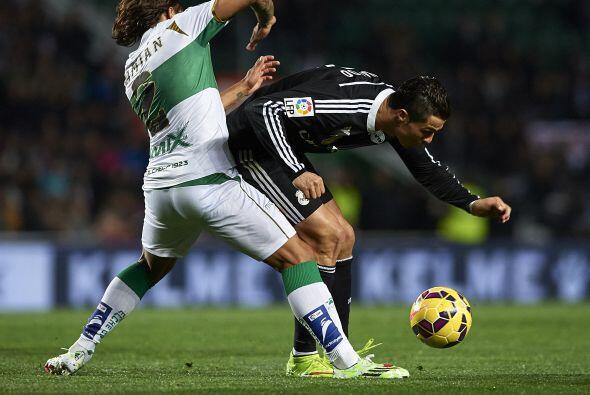 Real Madrid siguió insitiendo por medio de sus figuras.