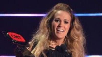 Carrie Underwood obtuvo el premio al Video del Año con 'See You Again'.