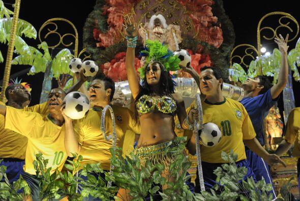 Y Larissa, la aficionada incondicional de la selección paraguaya en el M...