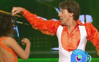 ¡Gran susto nos llevamos! Fernando Allende se cayó en medio de su baile