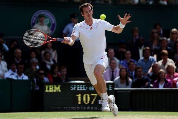 Sólido desde el fondo de la cancha, Murray ganó el primer...
