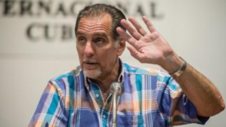 René González.