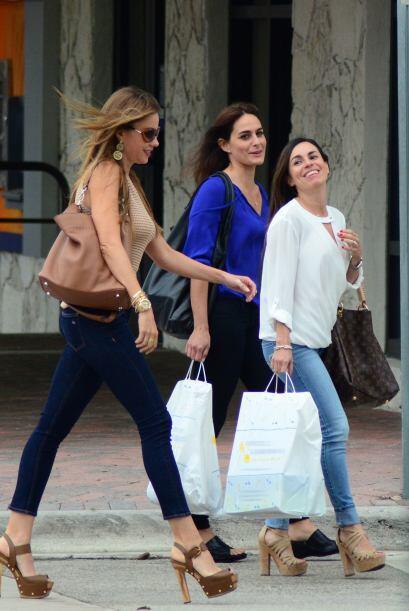 Día de compras entre hermanas. Mira aquí los videos más chismosos.