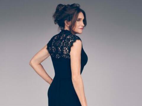 Caitlyn Jenner luce de lo más bella en la primera foto promociona...