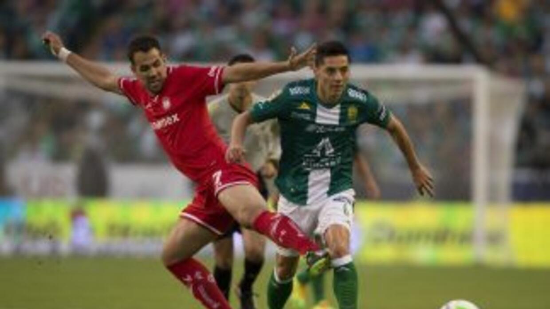 Toluca y León en las semifinales del Clausura 2014.