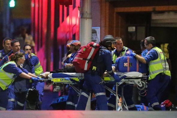 Dos personas heridas de bala tuvieron que recibir resucitación cardiopul...