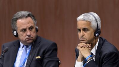 Sunil Gulati (derecha) presidente de USSoccer.