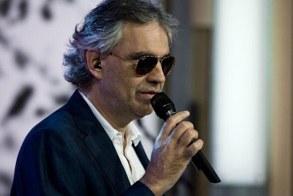 Andrea Bocelli nos deleitó con un bolero entrañable: Conti...