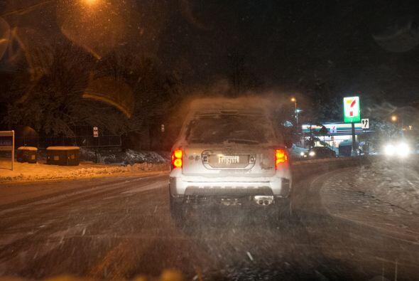 Las autoridades recomiendan precaución en las carreteras que cone...