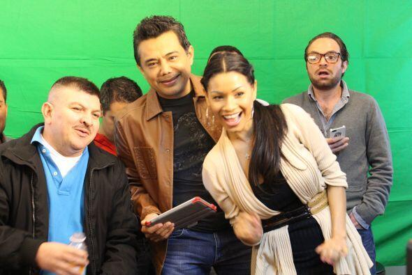 Todos los miembros del Show de Raúl Brindis participaron en este...