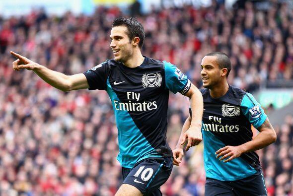 El Arsenal mantiene las esperanzas de luchar por el campeonato luego de...
