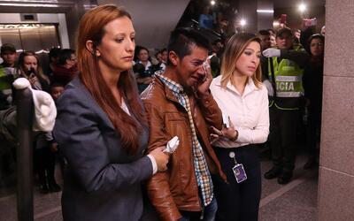 El padre de Yuliana Samboní, Julbencio, llora en el funeral de la...