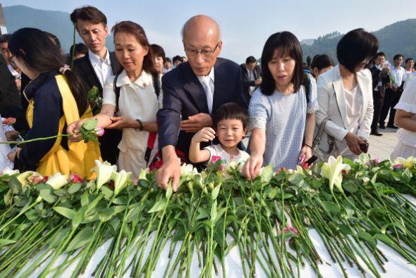 Los seguidores de la Iglesia de la Unificación en Corea del Sur p...
