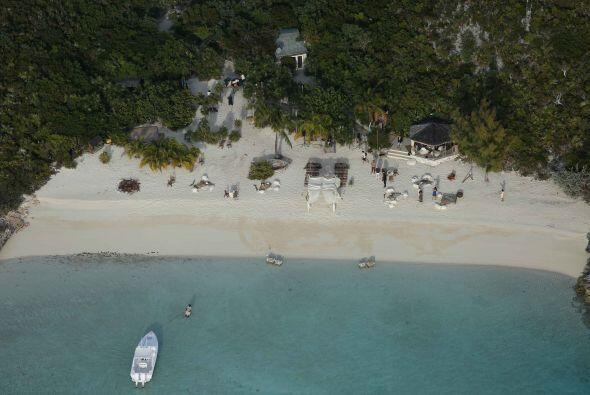 La isla es de 45 acres y le costó más de $3.6 millones de...