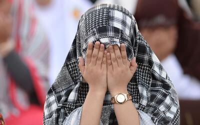 Arrestan a un maestro que presuntamente agredió a una niña musulmana en...