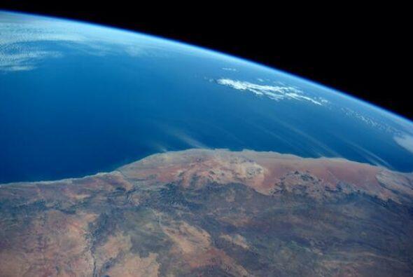 Mirando a la Madre Naturaleza en acción en África. Fotos de Reid Wiseman
