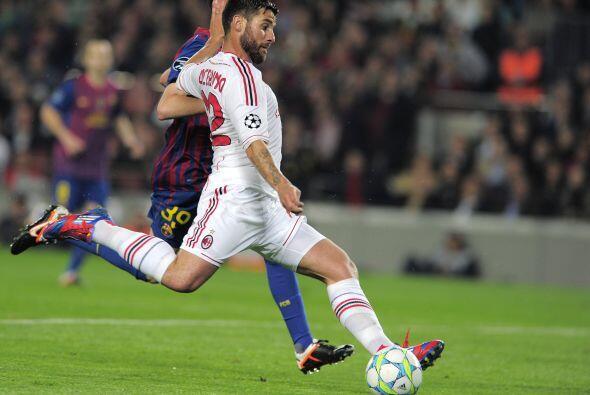 Pero en un descuido, Zlatan asistió ante la incorporación de Antonio Noc...