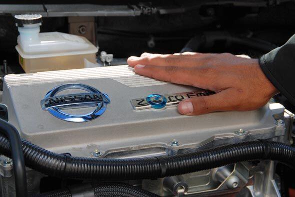 Su motor eléctrico produce el equivalente a 107 caballos de fuerza y al...