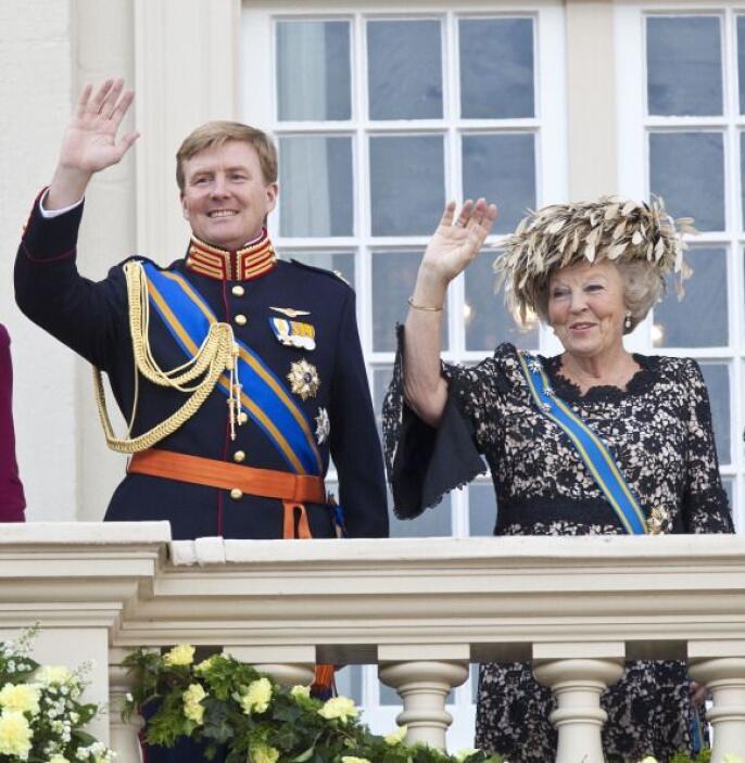 Guillermo-Alejandro y Máxima de Orange se convirtieron el 29 de abril de...