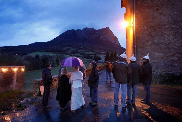 Desde finales del siglo 20, Bugarach es sitio de peregrinación de...