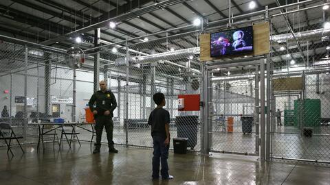 ¿Qué pasaría con las familias que huyen de países centroamericanos con l...