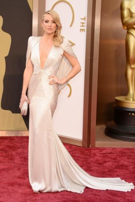 Kate Hudson en Atelier Versace lució como toda una princesa de cuento de...