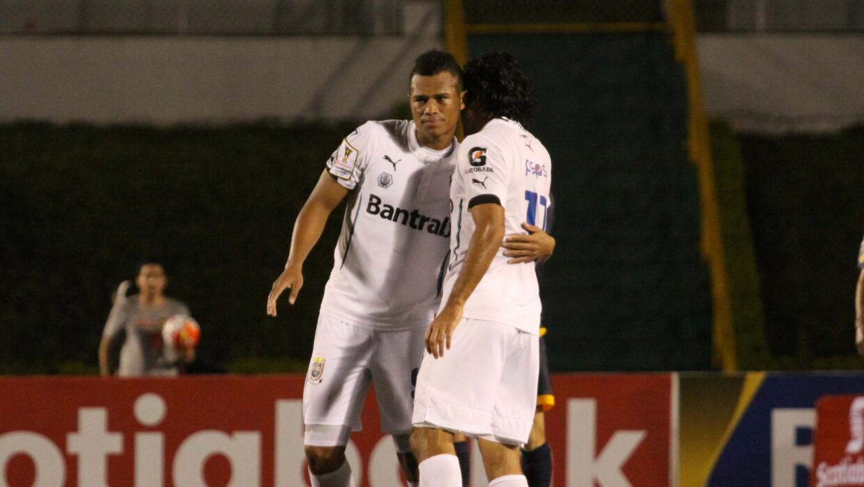 Comunicaciones venció 1-0 a Antigua