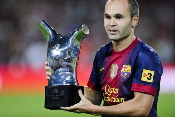 Previo al encuentro Andrés Iniesta le dedicó a la afición su premio otor...