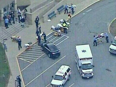 9 abril de 2014 .- Al menos 20 personasresultaron heridas en un at...