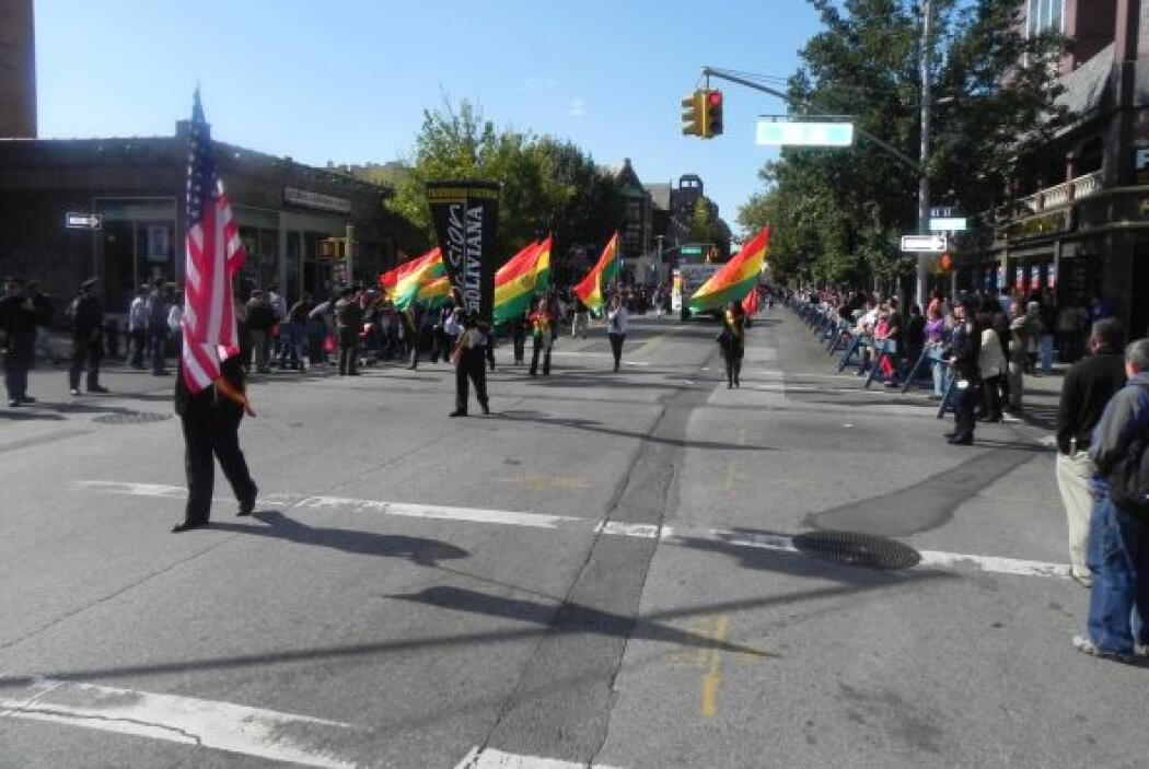 Primer desfile Boliviano de Nueva York 368817cad1cb4f9fb48d6d0a24df6169.jpg