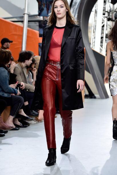 A la firma Louis Vuitton también le gusta divertirse con los colores, es...