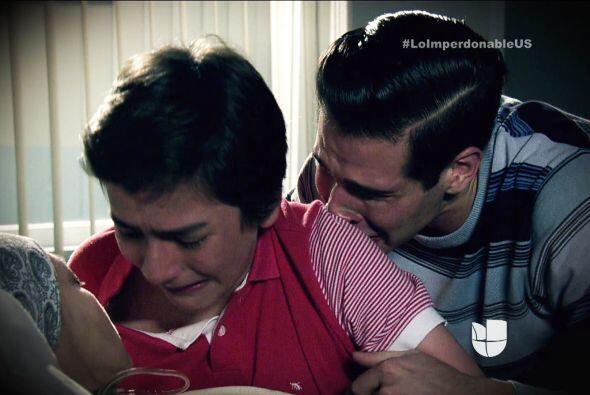 ¿Recuerdas cuando murió su madre? Juraste que siempre estarías a su lado?