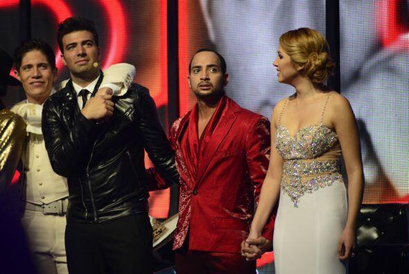 Jencarlos también estuvo muy cercano a sus finalistas.