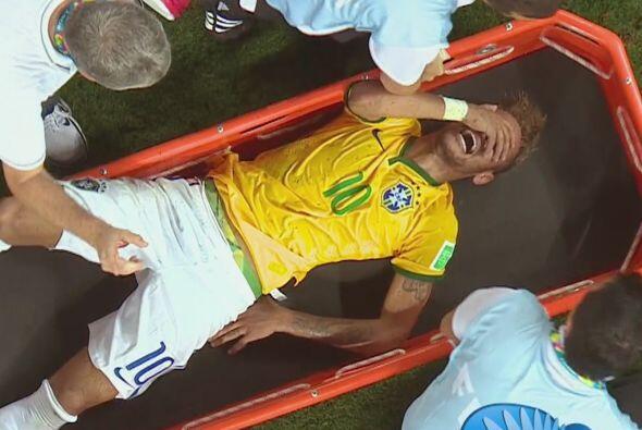 Fue justo en ese partido que Neymar tuvo la desafortunada lesión que lo...
