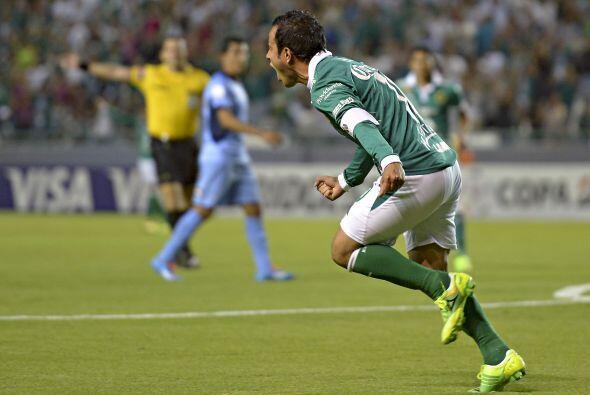 Luis Montes anotó el primer gol del partido con una gran definici...