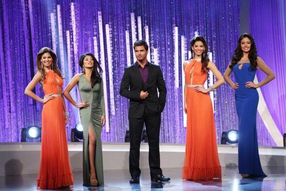 El galán Maxi Iglesias participó en el reto de estas cuatro chicas.