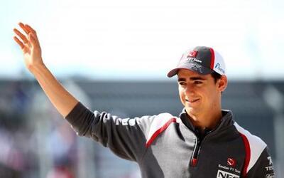 El mexicano dio la sorpresa al firmar como piloto de la escudería Ferrari.