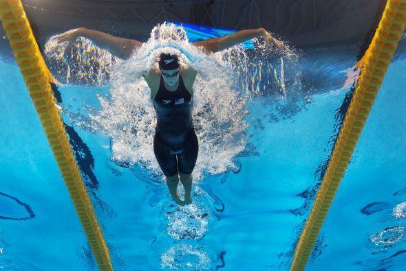 La estadounidense, Dana Vollmer, se impuso en la final de los 100 maripo...