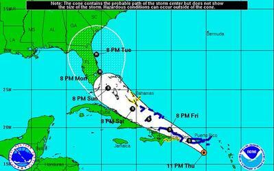 Tormenta Erika - 11:00 pm jueves