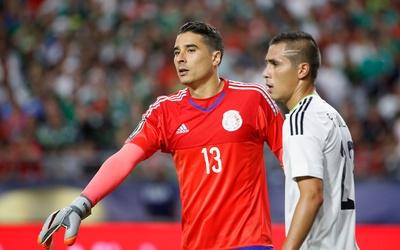 Espanyol buscaría fichar a Guillermo Ochoa