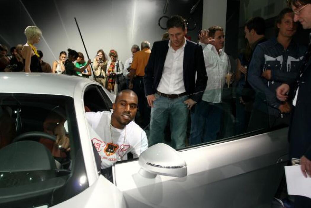 Kanye West es un apasionado de los autos de lujo; sin embargo no se ha d...
