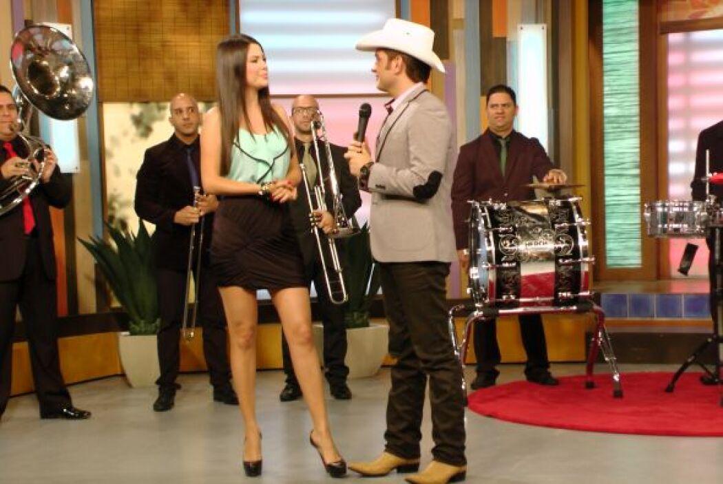 Nuestro invitado especial El Dasa. El cantante llegó a llenar de ritmo...