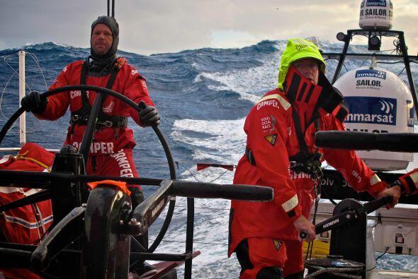 El Camper hispano-neozelandés, al mando de Chris Nicholson, naveg...