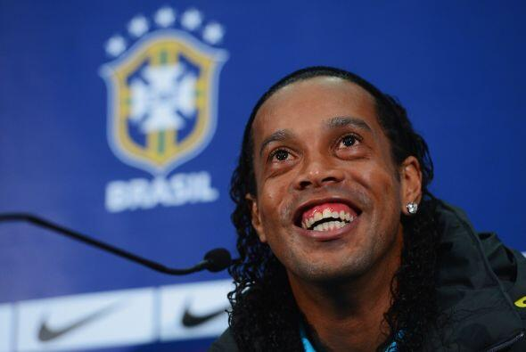 La primera entrevista de Dinho para TV fue  por haber conseguido 23 gole...