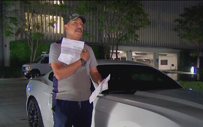 Hombre denuncia que dejó su auto deportivo en un concesionario para repa...