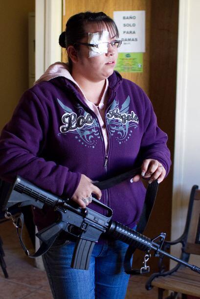 A las mujeres mexicanas no les tiembla la mano para combatir la delincue...